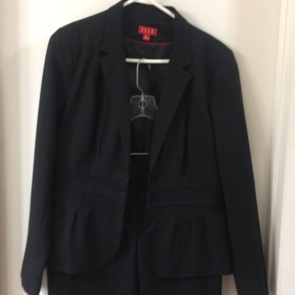 Elle Jackets & Blazers - Elle suit cropped jacket with straight pants